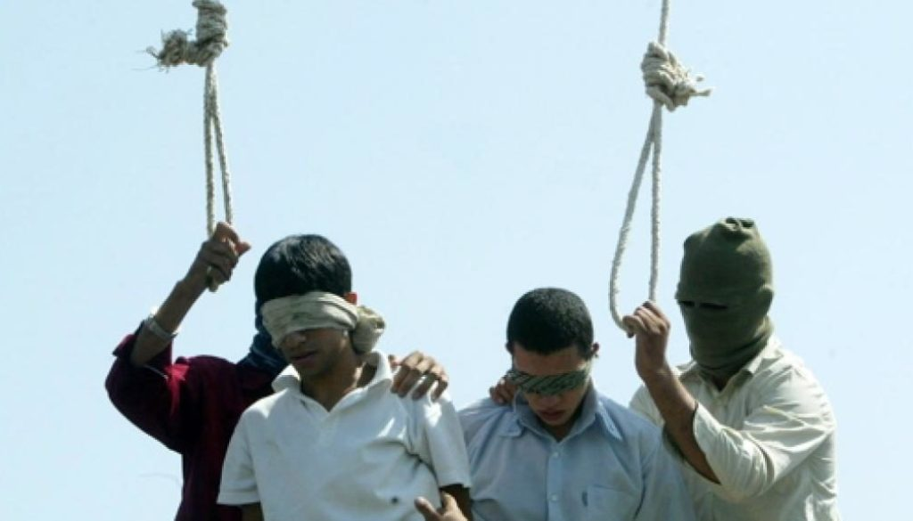 gay-iranian-execution-mashad-july-2005