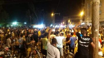 Protesters-storm-the-streets-of-Iran-over-water-shortages-police